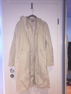 Regenabweisender Mantel