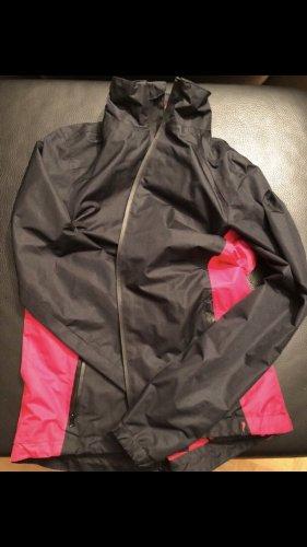 Regenjacke in schwarz-pink