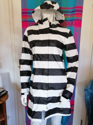 Heavy Raincoat white-black
