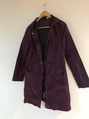 Manteau de pluie noir-rouge mûre