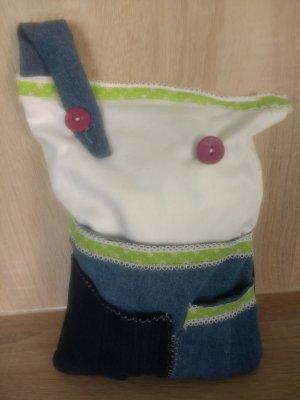 Reise -Kissen-Tasche mit sieben kleinen Taschen