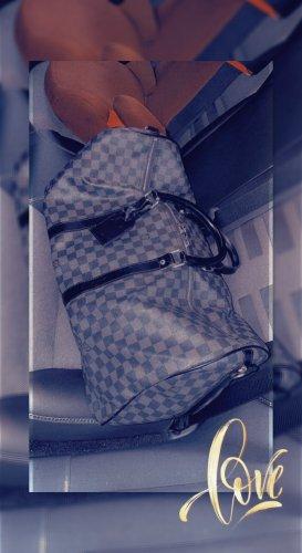 Louis Vuitton Reistas grijs