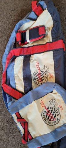 Reisetasche mit kleinem Täschen