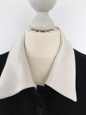 Rena Lange edles schwarzes Kostüm mit Kontrastkragen und -Manschetten in weiß Gr  40