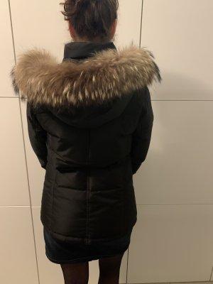 René Lezard, schwarze Daunen Jacke mit abnehmbarem Pelzkragen