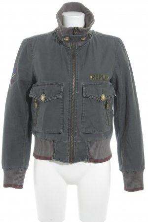 Replay Bomberjacke dunkelgrau Street-Fashion-Look