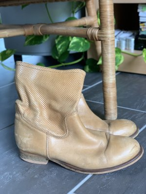 Reserved Short Boots camel