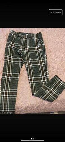 Concept Reserved Pantalon chinos vert forêt