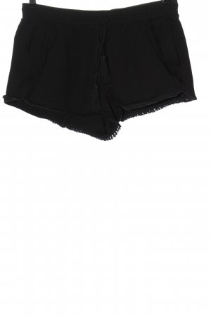 Reserved Pantalón corto negro look casual
