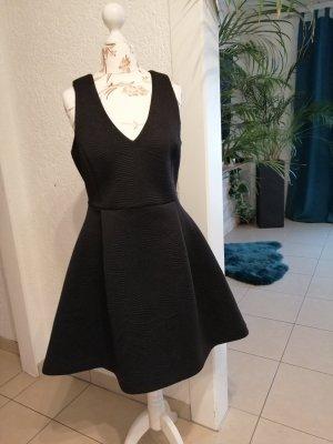 Reserved vestido de globo negro