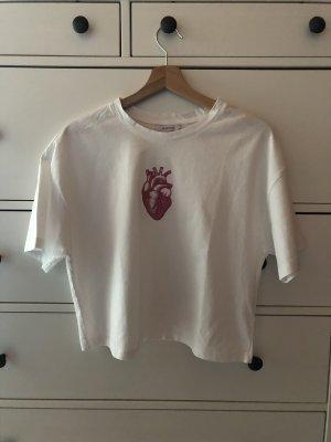 Reserved T-Shirt mit Herz-Print (etwas cropped geschnitten)