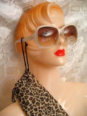 RETRO Hochwertige Sonnenbrille UV 400 80-er Style Leo Etui