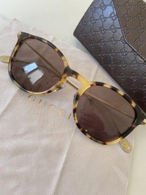Retro Sonnenbrille Gucci im Leolook
