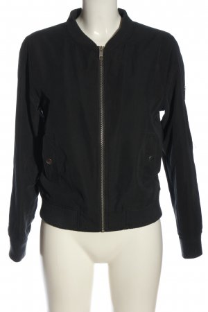 Review Bomber Jacket black casual look