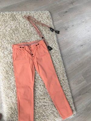 Review Hose mit Hosenträgern
