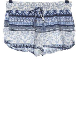 Review Hot Pants blau-weiß abstraktes Muster Casual-Look