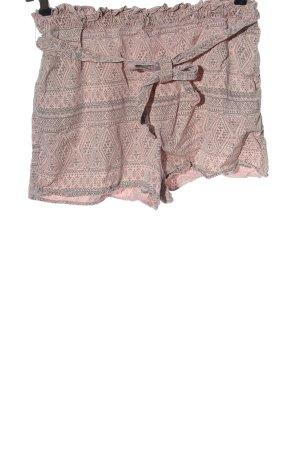 Review Pantalón corto rosa-gris claro look casual