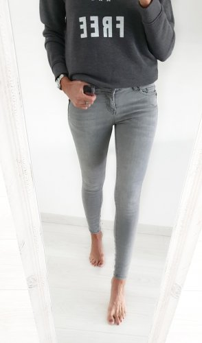 Review Jeans Skinny Fit hellgrau