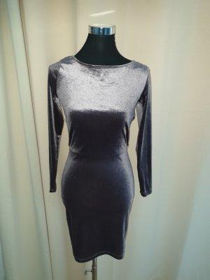 Review Kleid in Größe 36 schöner Rückenausschnitt