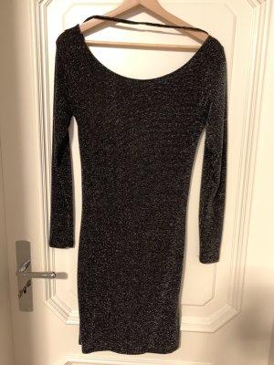 Review Kleid schwarz /silber Gr.M .Mit tiefem Rückenausschnitt