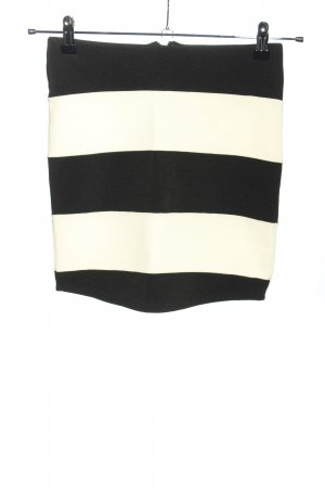 Review Miniskirt black-white allover print casual look