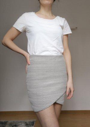 Review Miniskirt white-black