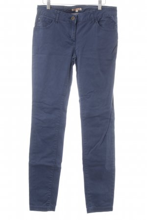 Review Slim Jeans dunkelblau Casual-Look