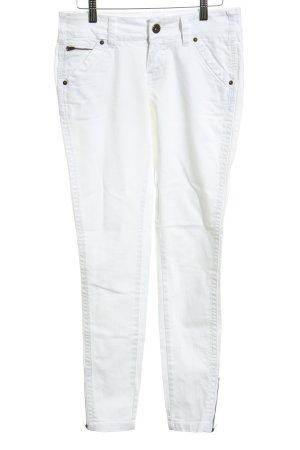 Review Slim Jeans weiß schlichter Stil