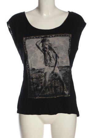 Review T-shirt noir imprimé avec thème style décontracté