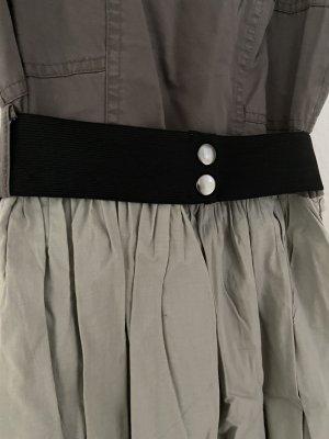 Review Trägerkleid mit Gürtel