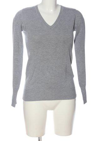 Review Jersey con cuello de pico gris claro moteado look casual