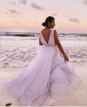 Revolve Leah Gown Lovers + Friends Lavendel Kleid Maxikleid Ausschnitt 36 S