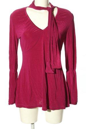 Ricarda M Blusa con lazo rosa letras bordadas look casual