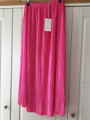 Rich & Royal Pleated Skirt pink