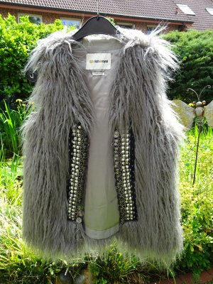 rich and royal Fur vest multicolored