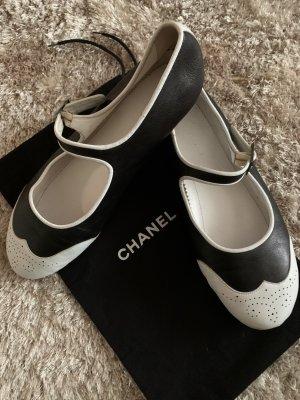 Chanel Ballerines à lacets noir-blanc cuir