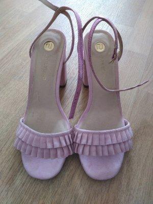 Riemchen heels