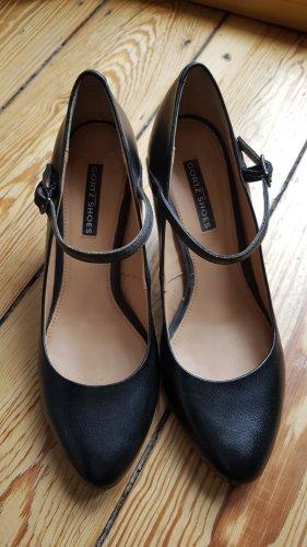 Görtz Shoes Strapped pumps black