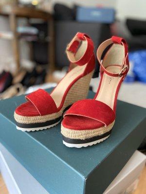 Sandalias de tacón de tiras rojo oscuro