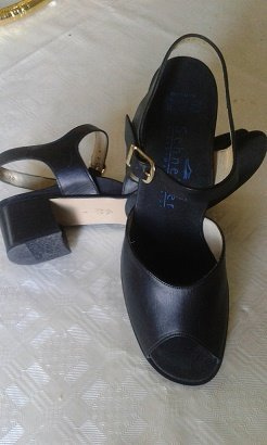 100% Fashion Sandales à lanière noir cuir