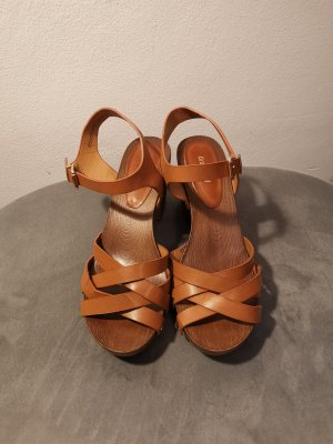 Graceland Strapped High-Heeled Sandals brown
