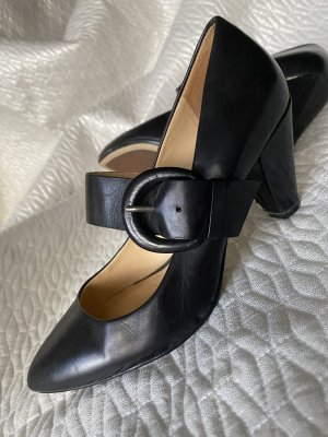 Clarks Strapped pumps black leather