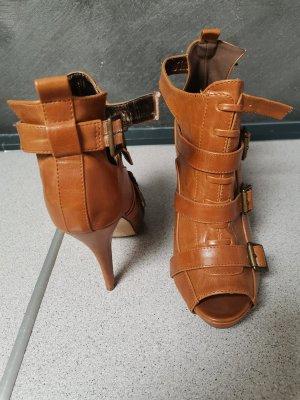 Sandales à talon haut cognac