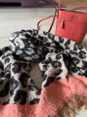 Bershka Wełniany szalik brąz-łosowiowy