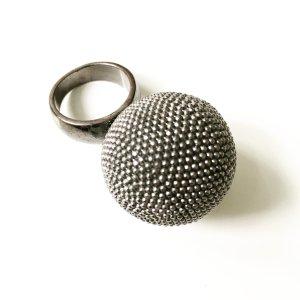 riesenkugel ring von free people / modeschmuck / silberfarben / edgy / boho
