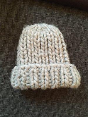 Riesenstrick-Mütze