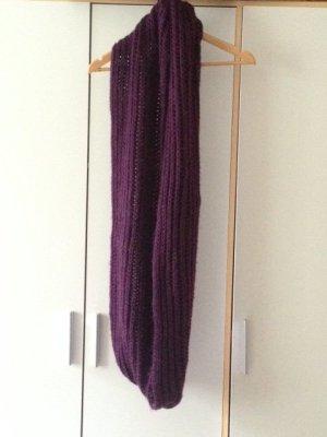 Riesiger violetter Schlauchschal