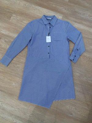 Rika Studios Robe chemise blanc-bleu foncé coton