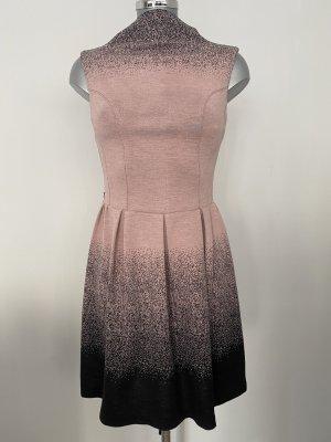 Rinascimento Abito maglione nero-rosa antico
