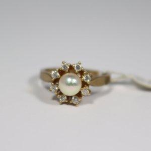 Ring 333 Gelbgold mit Perle ca 5mm und 8x Zirkon. Gr. 53. Neu/Ungetragen. UVP 497€